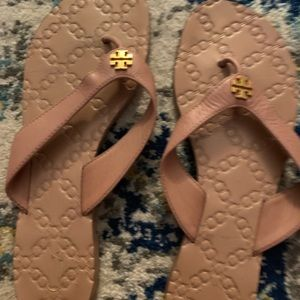 Tory Burch size 8 Manon